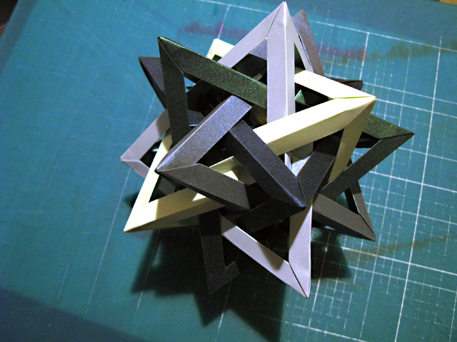 cracked five intersecting tetrahedra.jpg